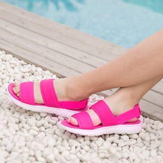 Top 15 Best Beach Sandals for Women in 2020